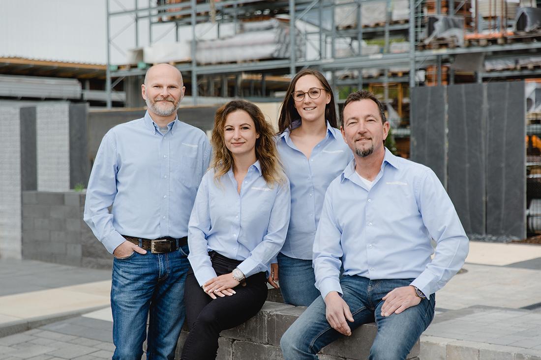 Garten-Landschafts-Bau Mitarbeiter bei Baucentrum Cronrath